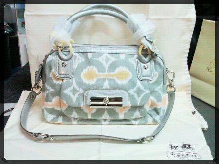 กระเป๋าคล้องแขน COACH จาก COACH ฮ่องกง