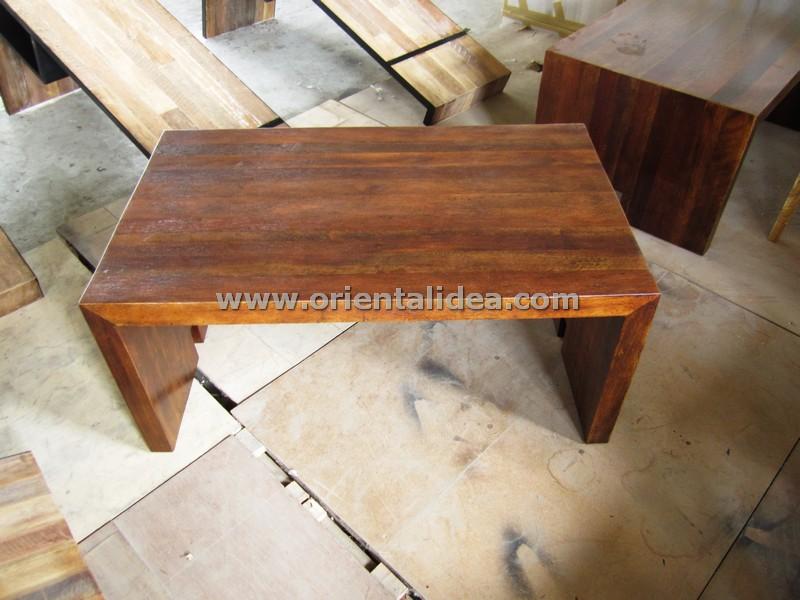 โต๊ะกลางไม้