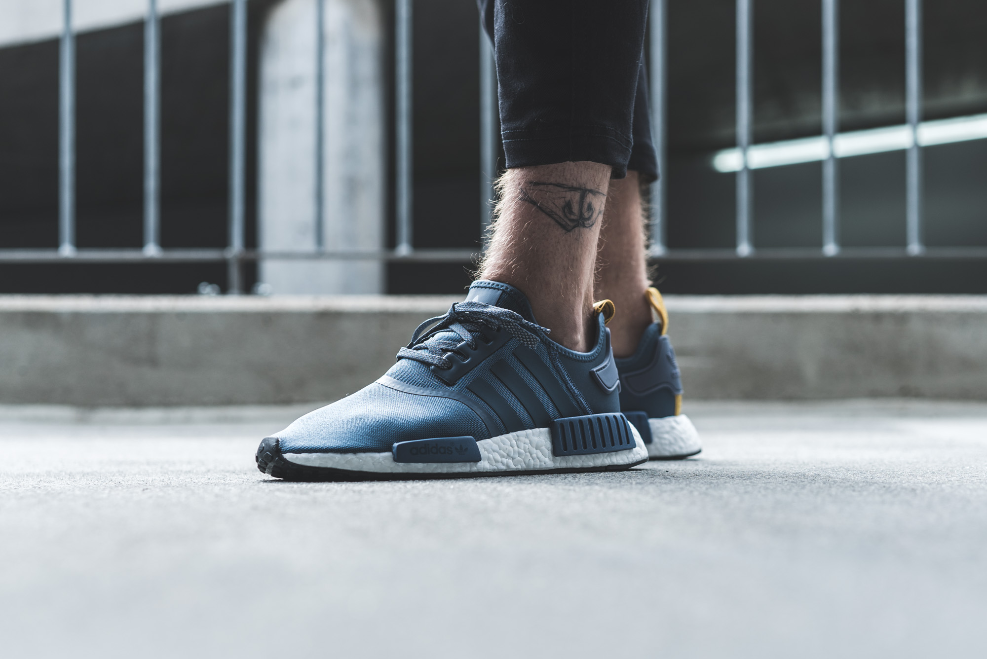 PRE ORDER Adidas Originals NMD_R1 - Trainers - tech ink/white