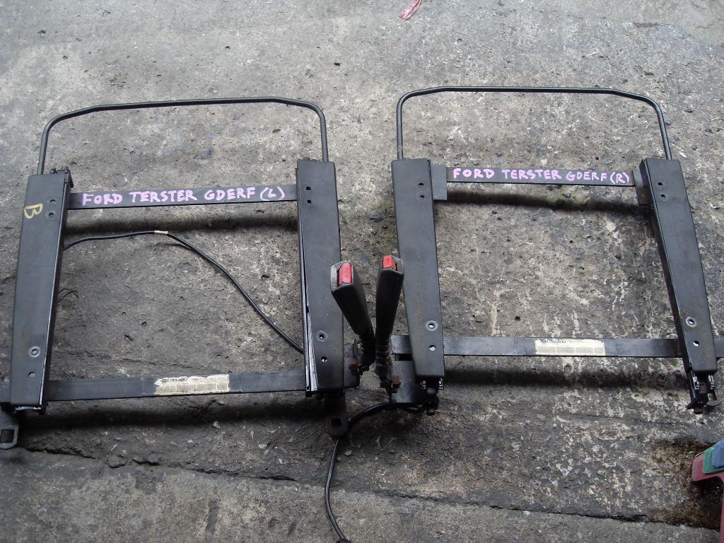 รางเบาะRecaro U นอก ใส่รถFORD TELSTAR FORD TERSTER GDERF 1คู่ ซ้าย,ขวา รางเบาะ recaro รางเบาะเรคาโร่ เรคคาโร่ รางเบาะแต่ง รางเบาะซิ่ง รางเบาะ U นอก