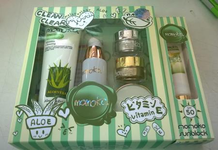 Clean Clear Momoko box set ชุดครีมโมโมโกะ 5 ชิ้น