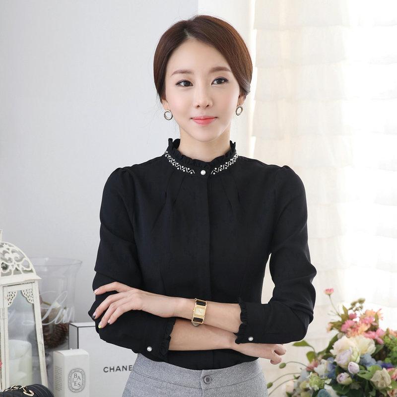 เสื้อแขนยาวผู้หญิง สีดำ คอจีบ เป็นชุดทำงานเรียบหรู