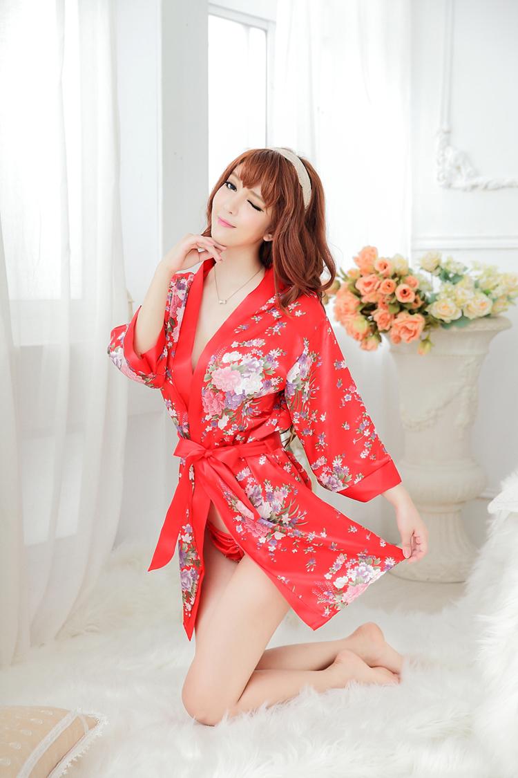 เสื้อคลุมนอนลายกิโมโน สีแดงลายดอกไม้