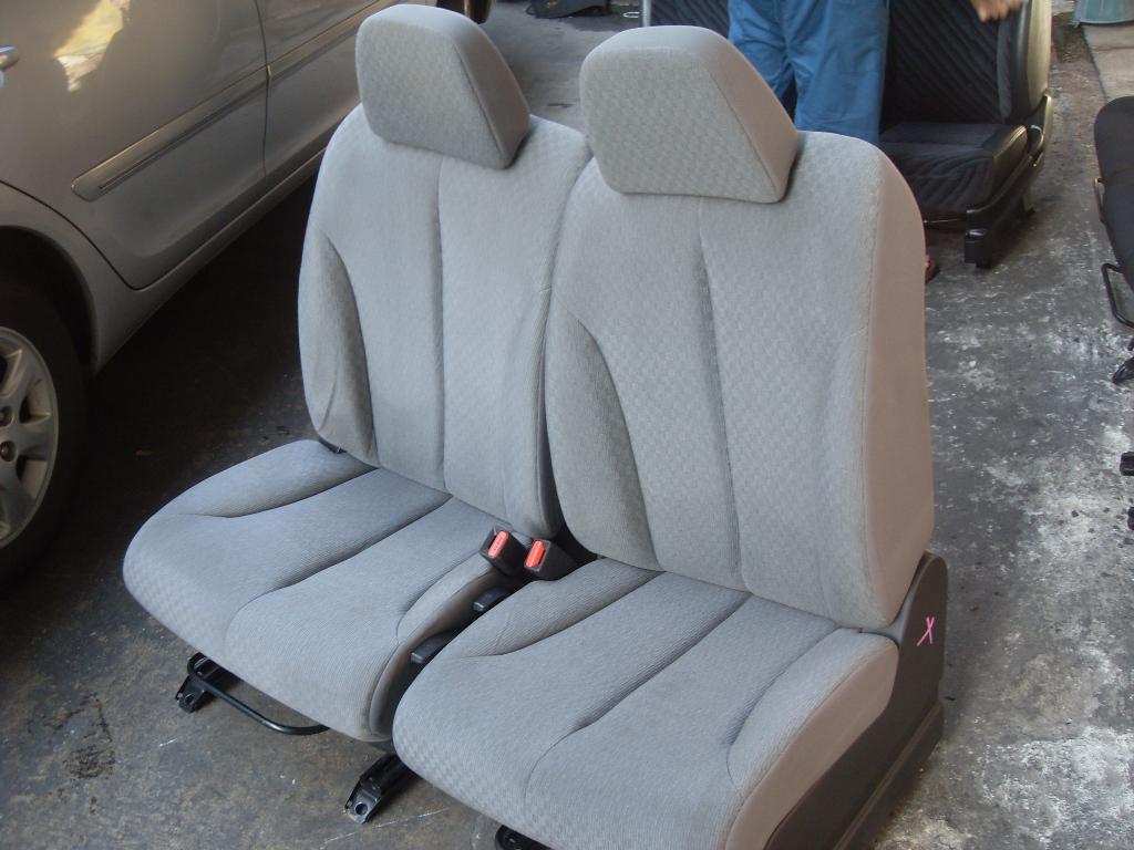 Nissan Tiida เบาะNissan Tiida สีเทาเนื้อผ้า เบาะนิสสัน ทีด้า เบาะทีด้า เบาะTiida ราคาตามข้างล่างเป็นราคาต่อคู่นะครับ