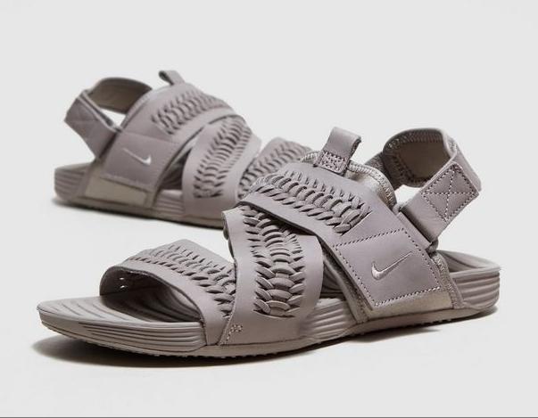 (PRE ORDER) Nike Air Solarsoft QS