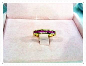 แหวนพลอยทับทิมฝังล็อคแถวเดียว gold plated0.5microns
