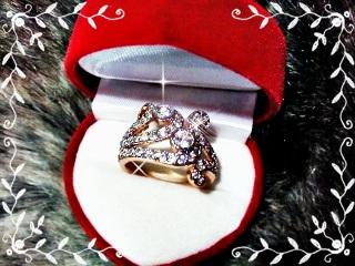 แหวน pink gold 5Microns หน้าเพชรทองคำขาว ตัวเรือนบรอนด์ทอง