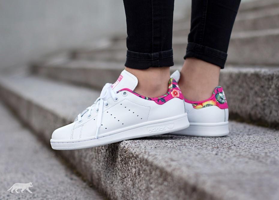 (พรีออเดอร์) adidas Stan Smith Flowers - Women Shoes