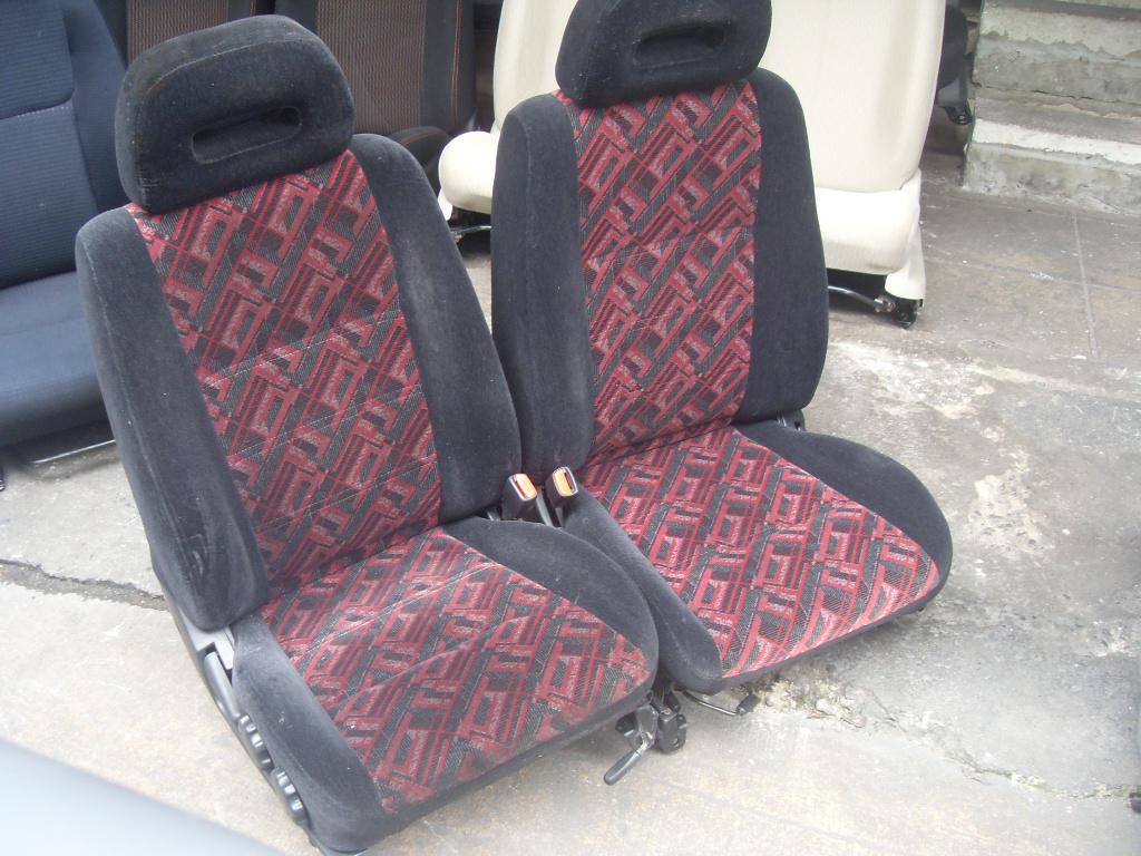 Nissan primera p11 เบาะNissan primera ขอบสีดำ ผ้ากลางลายสีแดง เบาะนิสสัน พรีเมร่า พรีมีร่า ราคาตามข้างล่างเป็นราคาต่อคู่นะครับ