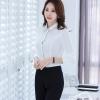 เสื้อเชิ้ตผู้หญิงแขนยาว สีขาว คลิปดำ เป็นชุดทำงานชุดยูนิฟอร์มเรียบๆ