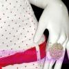 สวยเก๋มั่กๆ<Hand Made> RING1000:: แหวนทรงกุหลาบสไตล์ผู้ดี Anna Sui ทำด้วยลูกปัด งานแอนเมด โทนสีเบจแต่งง่าย ตัวแหวนยืดได้ ฟรีไซส์