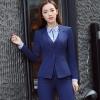 ชุดสูทผู้หญิงแขนยาว เสื้อสูทมีปกสีน้ำเงินกรมท่า พร้อมกางเกงสีน้ำเงินกรมท่า