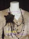 <สวยหรูๆแบบเทรนด์ดาราใส่ได้2แบบ> ACC4002 ::Flower Bead Glam Necklace ::สร้อยคอลูกปัดดีไซน์สามเส้น มีดอกไม้ขนนก ถอดเป็นเข็มกลัดติดเสื้อได้