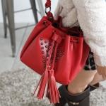 """""""พร้อมส่ง""""กระเป๋าแฟชั่น PG กระเป๋าสะพายทรงขนมจีบ ใบกะทัดรัด แต่งหมุด น่ารักค่ะ- สีแดง"""