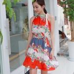 """""""พร้อมส่ง""""เสื้อผ้าแฟชั่นสไตล์เกาหลีราคาถูก Brand God is girl เดรสแขนกุดอัดพลีตทั้งตัว สีขาว-ส้ม ลายดอกไม้ ผูกโบว์ที่คอ ทรงปล่อย มีผ้าคาดเอว มีซับใน"""