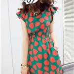"""""""พร้อมส่ง""""เสื้อผ้าแฟชั่นสไตล์เกาหลีราคาถูก เดรสผ้าไหม สีเขียว ลายรูปหัวใจสีแดง เอวจั๊ม มีกระเป๋า 2 ข้าง"""