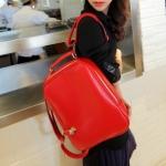 """""""พร้อมส่ง""""กระเป๋าแฟชั่น Maomao กระเป๋าเป้ หนังเรียบ นิ่ม ถอดสายได้ ทรงสวย สายซิปเอามาล็อกด้านหน้าได้ เก๋ค่ะ -สีแดง"""