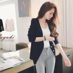 ❤❤ หมดค่ะ ❤❤ เสื้อคลุมแขนยาวสีดำ ใส่เป็นเสื้อตัวนอกสวยๆ แต่งกระดุมสีเงินดูหรูหรา ใส่เป็นเสื้อสูทได้เลยค่ะ