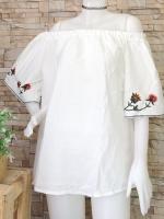 ขายส่ง:เสื้อคอปาดทรงปล่อยแขนบานสวิงแต่งปักดอกไม้/อก44