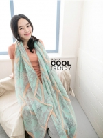 ผ้าพันคอลายวินเทจ Vintage : ผ้าพันคอ Viscose - size 170x70 cm สีชมพูเขียว