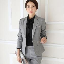 ชุดสูทผู้หญิงแฟชั่นเสื้อสูทมีปกสีเทา พร้อมกางเกงสีเทา ชุดทำงานเรียบหรู