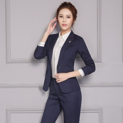 ชุดสูทผู้หญิงแฟชั่นมีปก สีน้ำเงินกรมท่า พร้อมกางเกงสีน้ำเงินกรมท่า เป็นชุดทำงานเรียบหรู