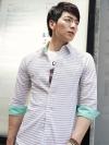 เชิ้ตลำลองแขนสี่ส่วนบางเบาแฟชั่นเสื้อผ้าผู้ชายเกาหลีมี2สี