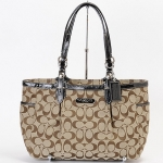 Coach Gallery Signature EW Tote Bag # 16561 สี Khaki