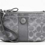 COACH SIGNATURE STRIPE 3 COLOR METALLIC SIGNATURE LARGE WRISTLET # 48214 สี SV/GREY