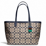 Coach legacy weekend signature c medium zip top tote  # 23465 สี SILVER / NAVY