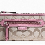 Coach Daisy Outline Signature Metallic Zip Around Wallet # 50113  สี Light Khaki / Pink