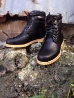 รองเท้าผู้ชาย | รองเท้าแฟชั่นชาย Black Boots หนัง Oiled Pull Up กันน้ำ กันหิมะ กันรอยขูดขีดได้จริง
