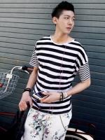 เสื้อยืดลายทูโทนลูกเล่นแขนแฟชั่นเสื้อผ้าผู้ชายเกาหลีมี2สี