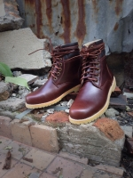 รองเท้าผู้ชาย | รองเท้าแฟชั่นชาย Red Brown Boots หนัง Oiled Pull Up กันน้ำ กันหิมะ กันรอยขูดขีดได้จริง