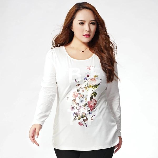 เสื้อยืดสีขาวพิมพ์ลายดอกไม้ตรงหน้าอกแขนยาว (XL,2XL,3XL,4XL,5XL)