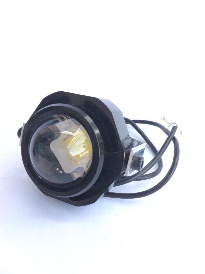 ไฟฟ็อกแลมป์/เดไลท์ LED 12v10w เลนส์นูน ดวงละ