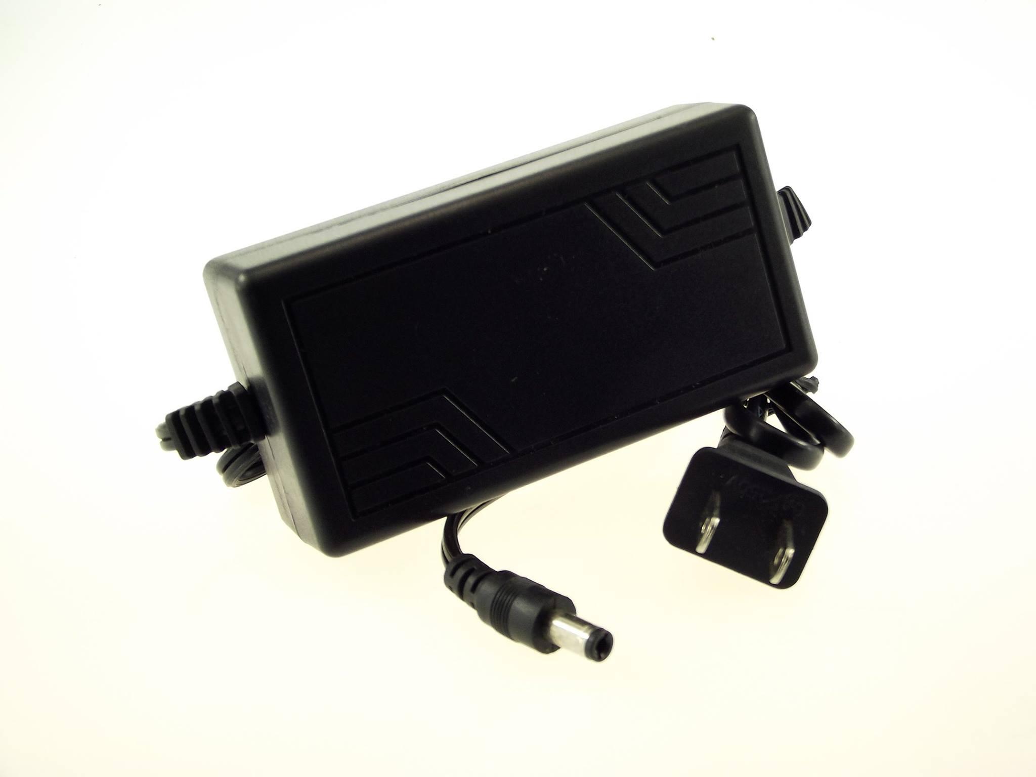 Adapter 12V 4A