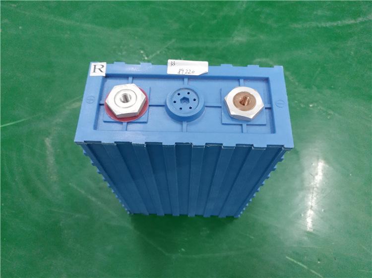เซลแบตเตอรี่ ลิเทียม ไอร่อน ฟอสเฟต ขนาด 3.2V 100 Ah Lithium iron phosphate ( LiFePO4 )